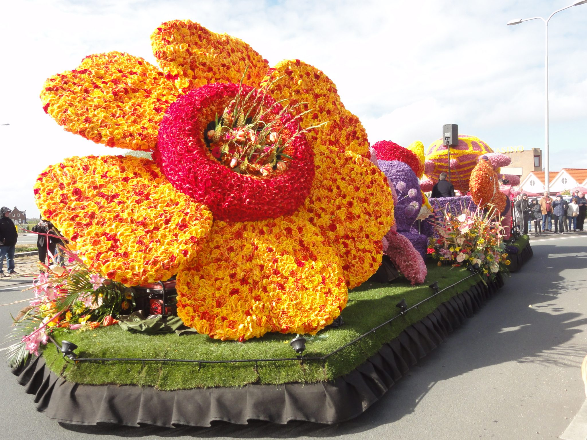 Flower parade Escorted Motorhome Tour Springtime in Holland 2017