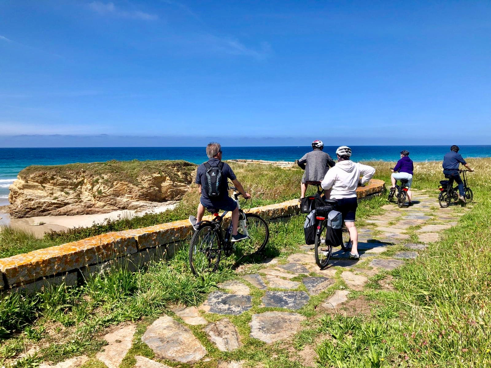 Cycling trip to the Cathedral beach, Galicia